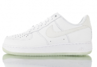 "Tênis Nike Air Force 1 '07 Essential ""Glow in the dark"""